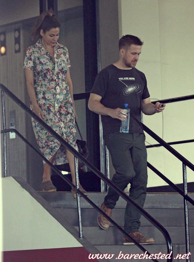 Barechested Ryan Gosling Eva Mendes Gosling